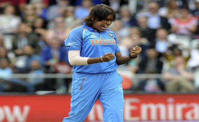 वनडे रैंकिंग में शीर्ष पर पहुंची झूलन गोस्वामी, भारत दूसरे नंबर पर