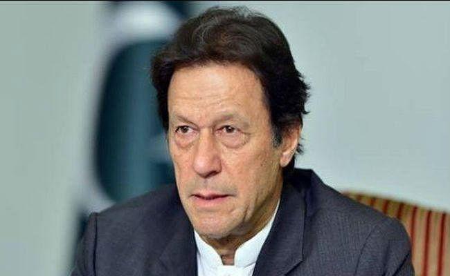 इमरान खान को अयोग्य ठहराने के लिए लाहौर हाईकोर्ट में याचिका दायर, सोमवार को सुनवाई