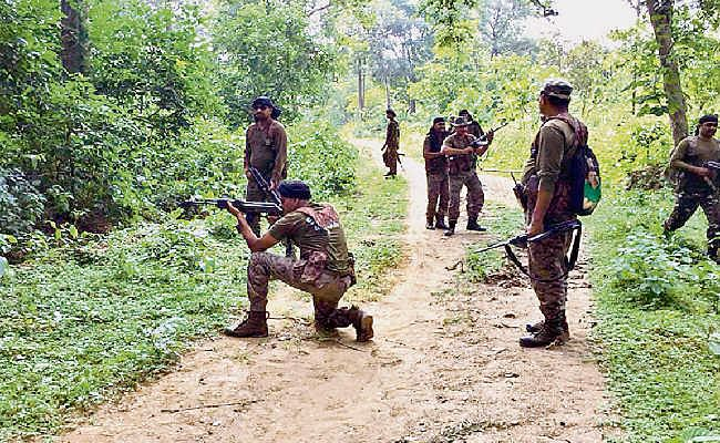 बिहार : पुलिस व नक्सलियों के बीच धरहरा-खड़गपुर सीमा पर हुई मुठभेड़, 150 राउंड चलीं गोलियां