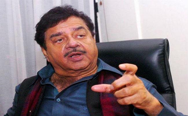 पटना : एनडीए में टिकट कटने के बाद शत्रुघ्न ने भाजपा पर साधा निशाना, बोले-जनता देख रही है