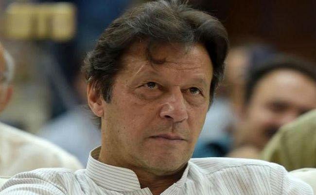 इमरान खान को सता रहा भारत का डर, बोले- अभी नहीं टला है भारत-पाकिस्तान के बीच युद्ध का खतरा