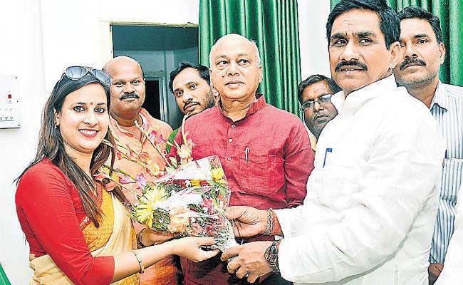 रांची : भाजपा के पास अपना उम्मीदवार नहीं, इंपोर्ट कर रही : सुभाष यादव