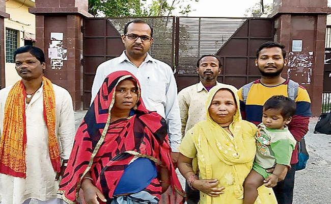 पटना : ढाई साल से बिछड़ी विक्षिप्त सीता को डाक विभाग ने परिवार से मिलाया, पति ने रचा ली दूसरी शादी