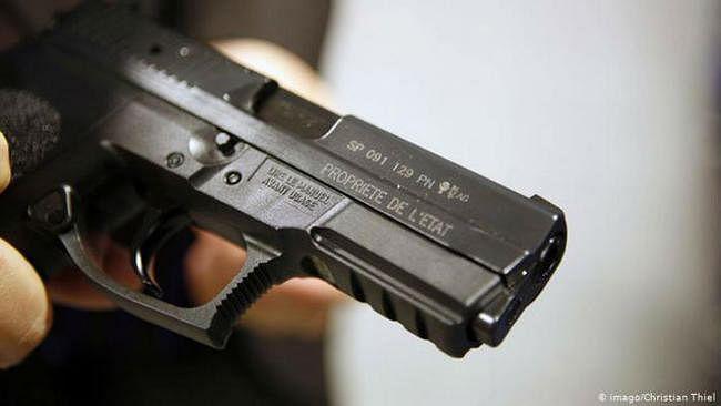 अवैध हथियार बनाने की फैक्टरी में छापेमारी, सात गिरफ्तार