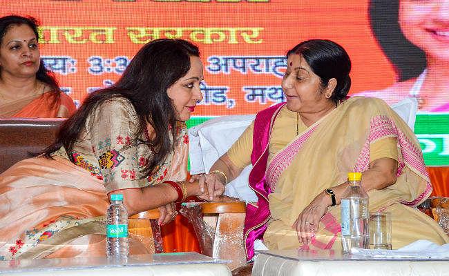 सुषमा स्वराज की खरी-खरी : यदि देश में आतंकवाद चुनाव का मुद्दा नहीं, तो राहुल हटवा लें एसपीजी की सुरक्षा