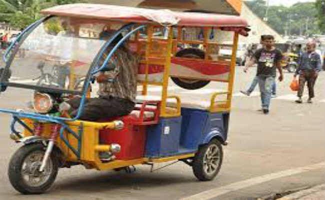 झारखंड : ऑटो और ई-रिक्शा चलेंगे, बसें नहीं; मोबाइल शॉप खुलेंगे, पर सैलून, मॉल व शिक्षण संस्थान नहीं