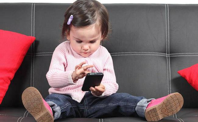 WHO : पांच साल से छोटे बच्चों को स्क्रीन पर रोज 60 मिनट से अधिक नहीं बिताना चाहिए