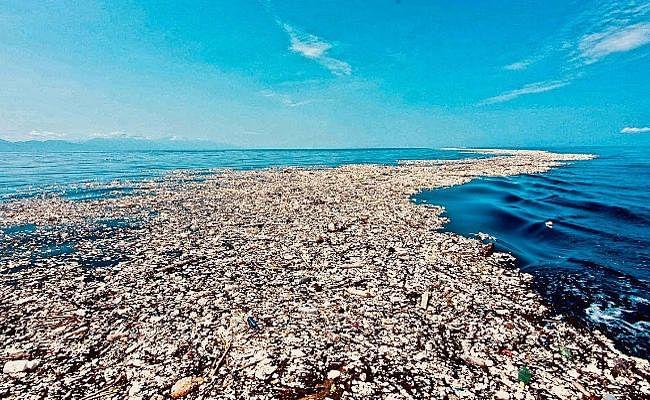 वैज्ञानिकों ने हिन्द महासागर से गायब हो रहे प्लास्टिक अवशेषों का पता लगाया