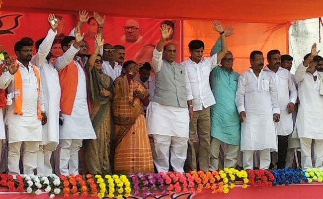 भारत विस्तारवादी नहीं किंतु आत्म सुरक्षा के लिए जल, थल व नभ तीनों सेनाओं का बढ़ायेगा ताकत : राजनाथ