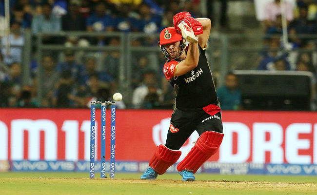 रॉयल चैलेंजर्स बेंगलुरु ने हैदराबाद को चार विकेट से हराया