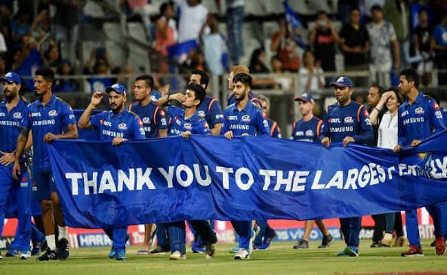 मुंबई जीत से शीर्ष दो में, केकेआर बाहर, हैदराबाद प्लेऑफ में