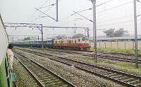 बरहड़वा-साहेबगंज रेलखंड पर घंटों देरी से चल रही हैं ट्रेनें, जानें वजह