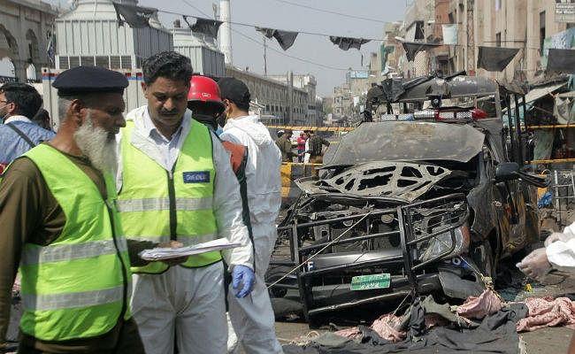 पाकिस्तान: रमजान के दूसरे दिन धार्मिक स्थल के बाहर आतंकियों ने किया धमाका, नौ की मौत