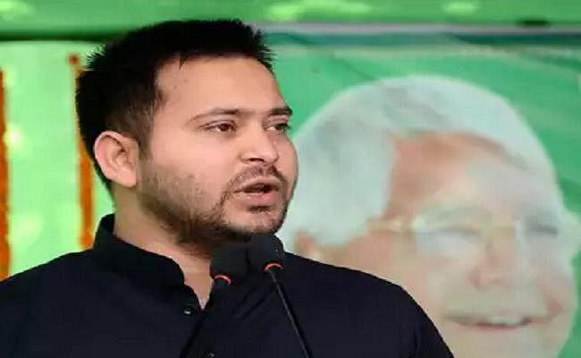 तेजस्वी का ट्वीट, घोषणा पत्र को लेकर CM नीतीश पर तंज