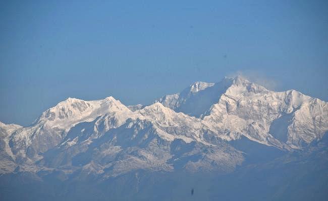माउंट कंचनजंगा पर्वत पर दो भारतीय पर्वतारोहियों की मौत