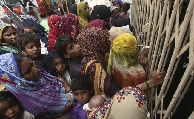 पाकिस्तान के लरकाना जिले में बड़े पैमाने पर बच्चों को एचआईवी, डॉक्टर गिरफ्तार