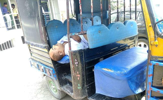 मैनेजर को गोली मार कर अपराधियों ने लूट लिये 10 लाख रुपये, SHO निलंबित, एसएसपी को SIT गठित करने का आदेश