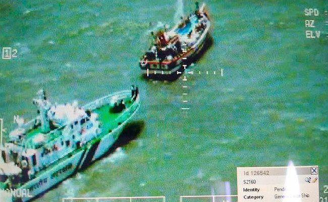 गुजरात तट पर 600 करोड़ रुपये के मादक पदार्थ के साथ पाकिस्तानी नौका पकड़ी गयी