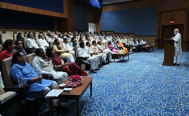 जनादेश के बाद: कैबिनेट ने राष्ट्रपति को सौंपा इस्तीफा, 16वीं लोस भंग करने की सिफारिश, आज नरेंद्र मोदी को नेता चुनेगा एनडीए