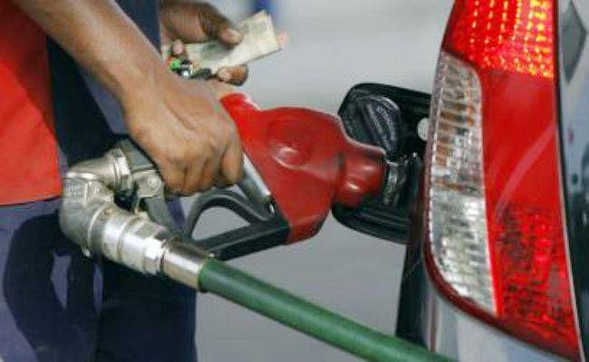 इलेक्शन खत्म होते ही बढ़ गया ईंधन का पारा, नौ दिनों में 70- 80 पैसे प्रति लीटर बढ़ी पेट्रोल-डीजल की कीमतें