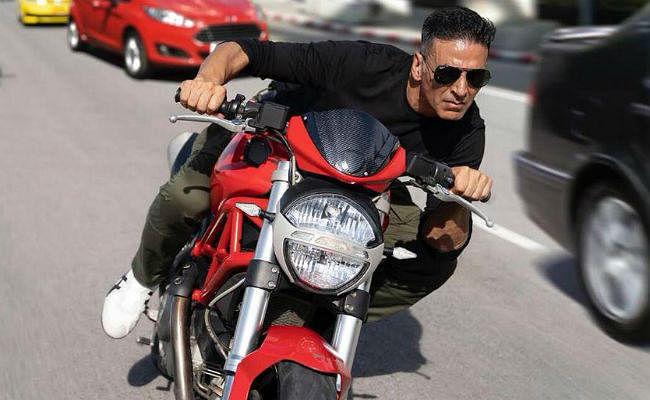 Sooryavanshi : बैंकॉक की सड़कों पर बाइक स्टंट कर रहे हैं अक्षय कुमार, याद आये वो दिन...