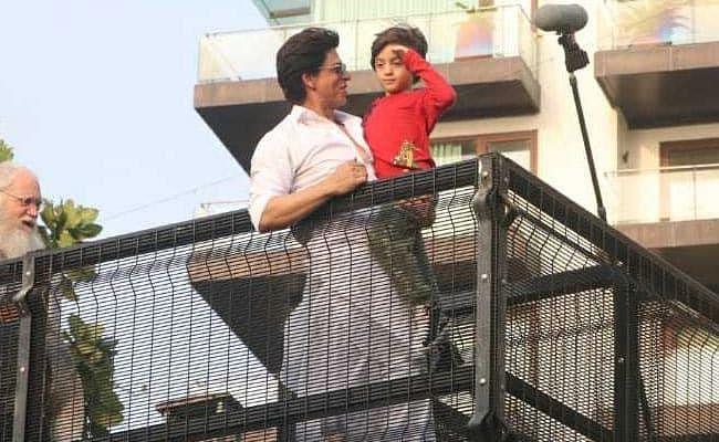 शाहरुख खान ने अपने फैन्स को कहा- ईद मुबारक