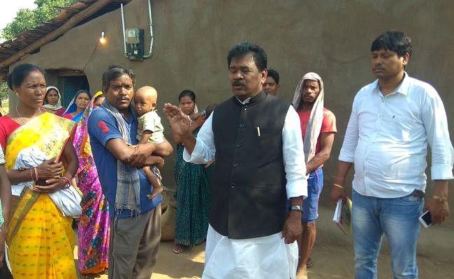 महुआडांड़ से लौटे बंधु तिर्की ने कहा, भूख से हुई है रामचरण की मौत, सरकार संज्ञान ले