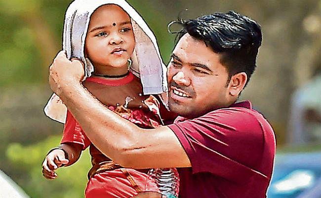 दिल्ली में 20 साल का रिकॉर्ड टूटा, पारा पहुंचा 48 के पार, दक्षिण में तूफान का खतरा, उत्तर में झुलसाती गर्मी का संकट