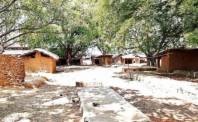 कुकड़ू हाट में नक्सली हमला : गांव से लेकर सड़क तक अघोषित कर्फ्यू