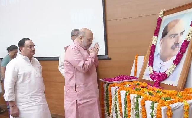 PM मोदी और गृह मंत्री अमित शाह ने श्यामा प्रसाद को दी श्रद्धांजलि, नड्डा ने नेहरू पर लगाये गंभीर आरोप
