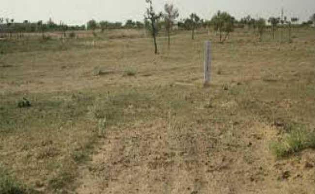 एक जगह जमीन नहीं मिली, तो देवीपुर में 21 प्लॉट के लिए दो एनजीओ के नाम से अलग-अलग दिया आवेदन