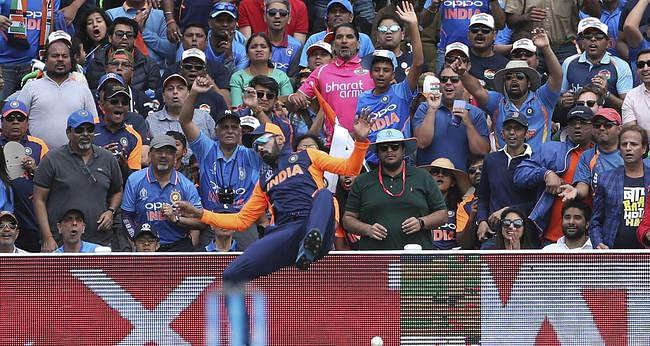 ICC World Cup 2019: भारत को मिली विश्व कप में पहली हार, देखें मैच की कुछ खास तस्वीरें