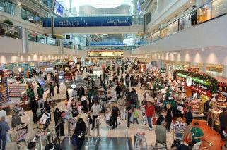 भारतीय पर्यटकों के लिए अच्छी खबर: दुबई के हवाई अड्डों पर अब रुपये में किया जा सकेगा लेन-देन