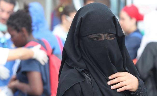 दोहरे आत्मघाती हमले के बाद ट्यूनीशिया सरकार ने नकाब पर लगाया प्रतिबंध
