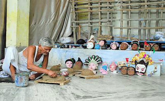 जीवन के अंतिम समय तक मुखौटा निर्माण व मुर्ति कला के लिए जीते रहे कन्हाई लाल महाराणा