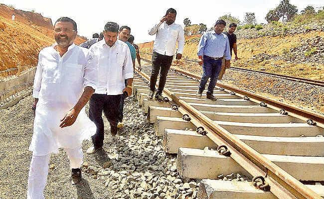 बिहार-बंगाल की रेललाइन से जुड़ेगा गोड्डा, गोड्डा से मिर्जा चौकी 80 किमी लंबी होगी रेललाइन