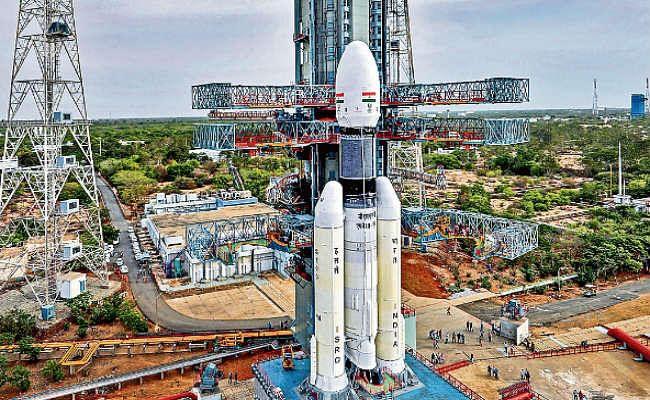 चंद्रयान-2 कल होगा लॉन्च, तैयारियां पूरी, दो माह बाद उतरेगा दक्षिणी ध्रुव पर, जानें इस मिशन का उद्देश्य