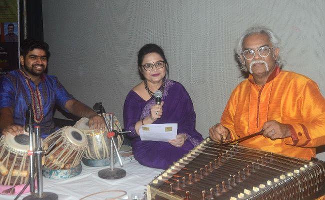 जल्द ही हिंदी में भी गूजेंगे रवींद्रनाथ टैगोर के गीतांजली के सुर, बांग्ला-अंग्रेजी में गीतों की सीडी लॉन्च