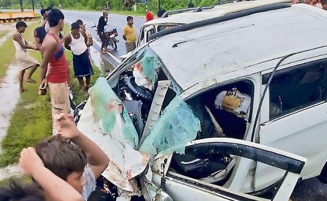 बेतिया : स्कॉर्पियो और कार की टक्कर में डॉक्टर और सहयोगी की मौत