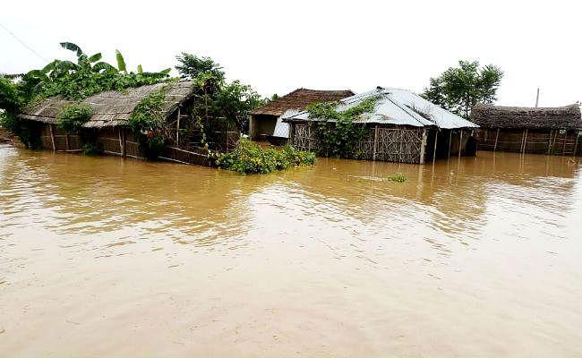 बिहार में बाढ़ से चार की मौत, 123 नये इलाकों में घुसा बाढ़ का पानी, 18 लाख लोग प्रभावित, बैराज से पानी डिस्चार्ज में कमी से राहत