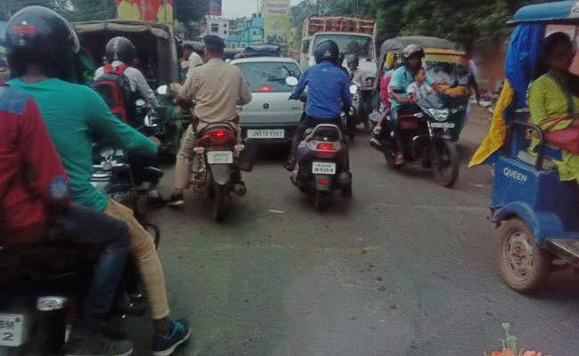 दो हेलमेट नहीं खरीदेंगे, तो बाइक या स्कूटी चलाना होगा मुश्किल, झारखंड सरकार ने बनाया ये नियम