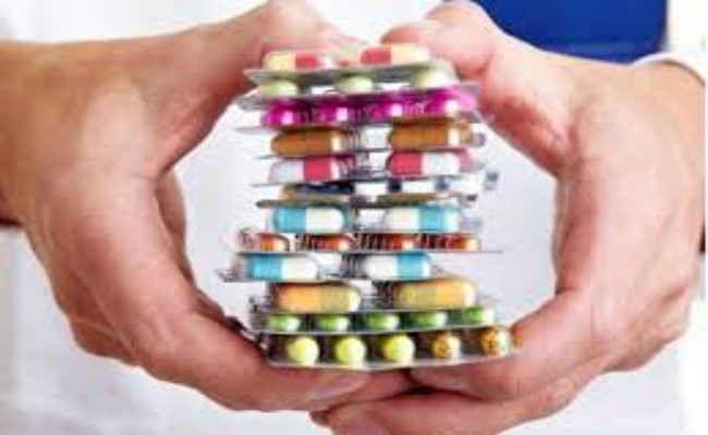 अस्पतालों में नहीं मिल रही जेनेरिक दवा, लोगों को खरीदनी पड़ रही महंगी दवाएं