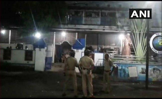 पश्चिम बंगाल: बैरकपुर से भाजपा सांसद अर्जुन सिंह के घर पर फेंके गए बम, अंधाधुंध फायरिंग