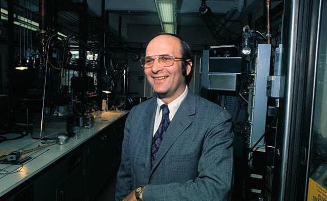 नोबेल पुरस्कार विजेता भौतिकी विज्ञानी श्रिफर का देहांत