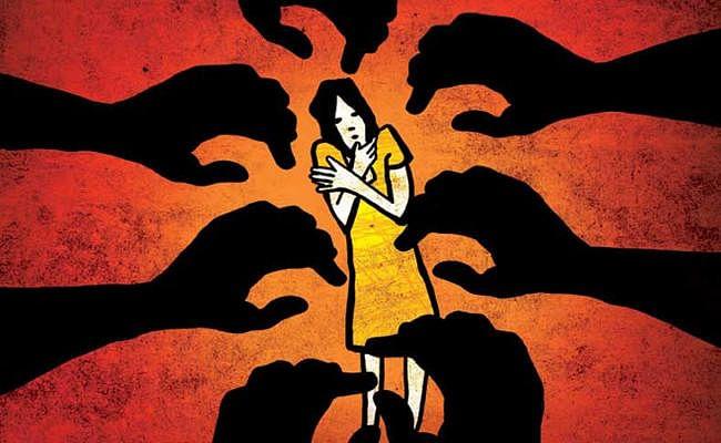 मथुरा में नर्स से सामूहिक दुष्कर्म, Video बनाकर किया ब्लैकमेल, आरोपी फरार