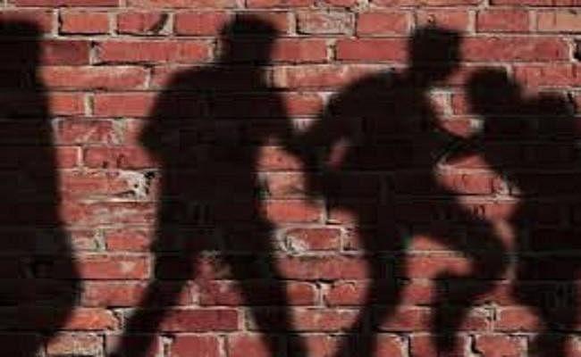 भीड़ के सामने हाथ जोड़कर रोता रहा युवक, बांका में लोगों ने पीट-पीट कर मार डाला, चना उखाड़ने का लगा था आरोप