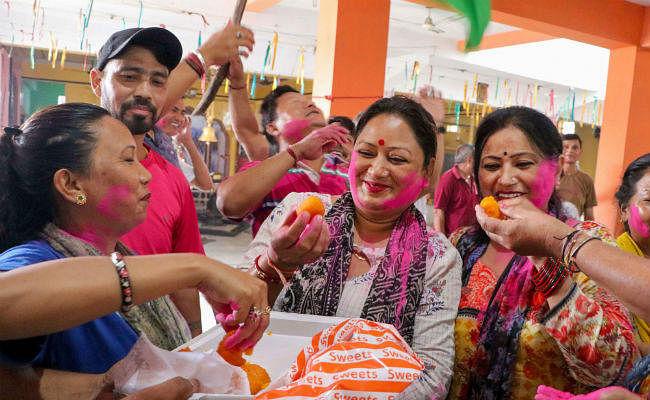 #Article370 : खुशी मनाते भाजपाई ममता राज में गिरफ्तार, भाजपा ने पूछा- पाकिस्तान है क्या?