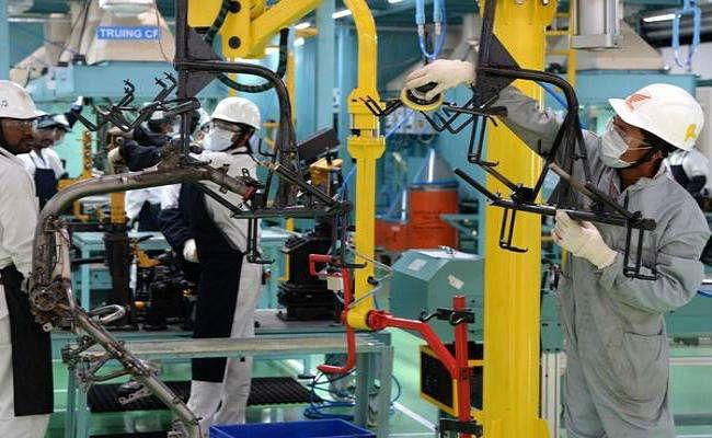 औद्योगिक उत्पादन की वृद्धि दर जून में चार महीने के निचले स्तर पर