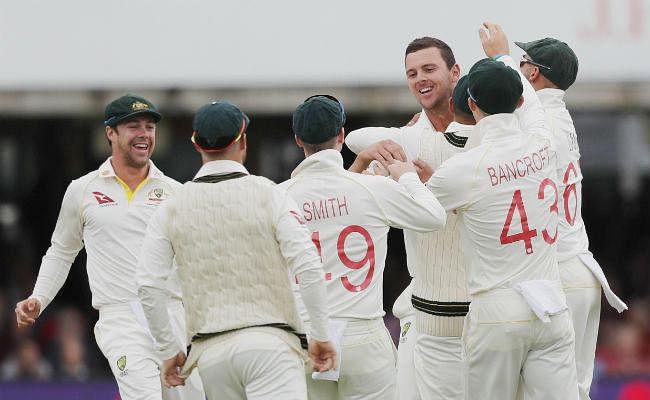 दूसरा एशेज टेस्ट : ऑस्ट्रेलिया ने इंग्लैंड को 258 रन पर समेटा