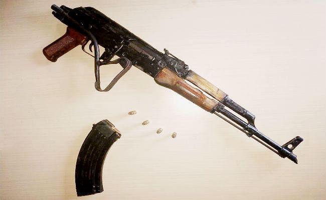 मोकामा के बाहुबली विधायक के आवास से AK-47 बरामद, मजिस्ट्रेट की मौजूदगी में हो रही छापेमारी